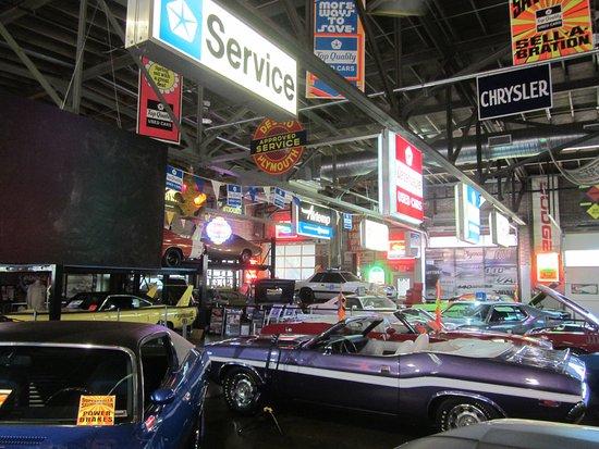 Alexander City, AL: Cars & Memorabilia