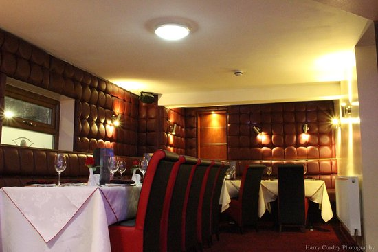 Wrexham County, UK: Amazing place, lovely atmosphere, best modern looking Indian restaurant around North Wales and C