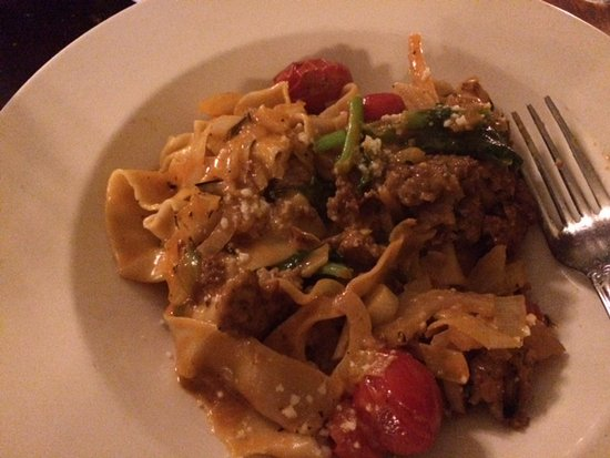 Saugerties, État de New York : pasta with sausage, delicious!