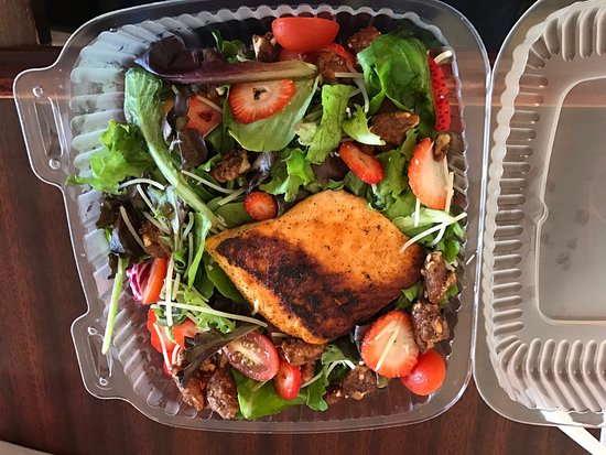 Danville, KY: Strawberry Salad with Blackened Salmon
