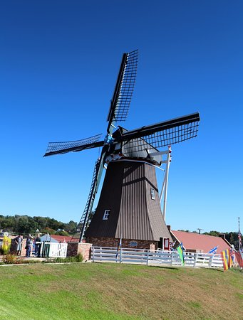 Fulton, IL: Dutch windmill