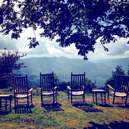 Waynesville, NC: This is a place they have set up for you to rock and enjoy the views.