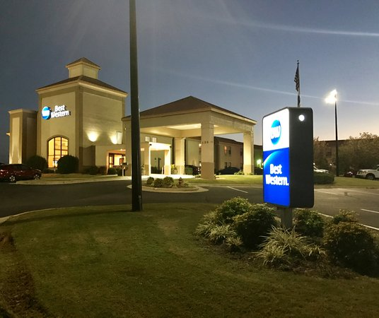 Photo of BEST WESTERN Roanoke Rapids Hotel & Suites