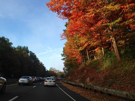 Connecticut: Merritt Parkway - Lovely Fall Foliage (and Morning Traffic)