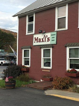 Maxi's Restaurant: Maxi's Building