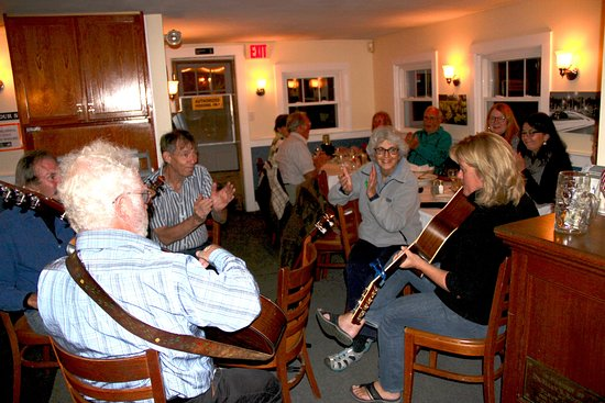 South Dartmouth, MA: Boston Boatmen entertain at Black Bass Grille