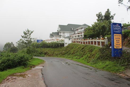 Elysium Garden Hill Resorts: View from road