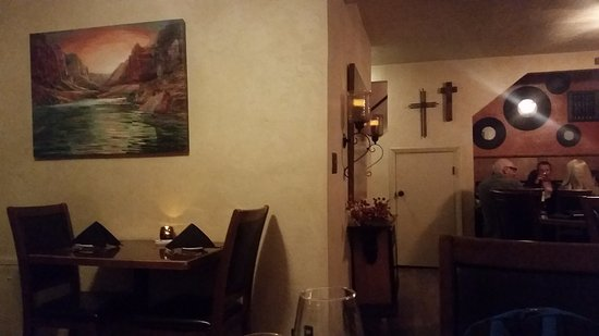 Jeffrey's Steakhouse: Interior of Jeffrey's dining room