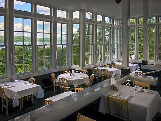 Inn At Taughannock: Dine high above Cayuga's Waters