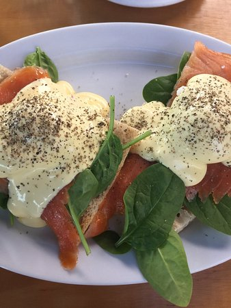 Kenilworth, Australia: Eggs Benedict with smoked salmon