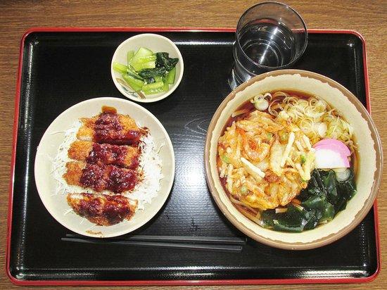 Hara-mura, Giappone: かき揚げ蕎麦520円+ミニソースカツ丼360円 大満足!