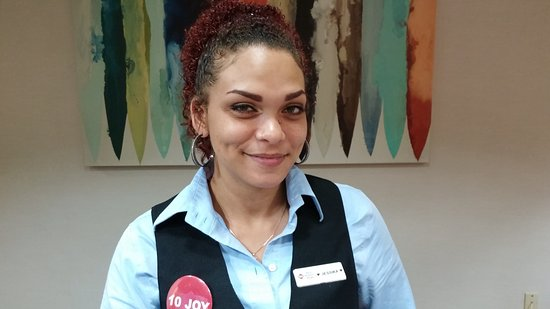 La Mesa, Califórnia: Jessika is awaiting to give you five star service.