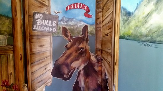 Alpine, WY: Entrance To Ladies Room
