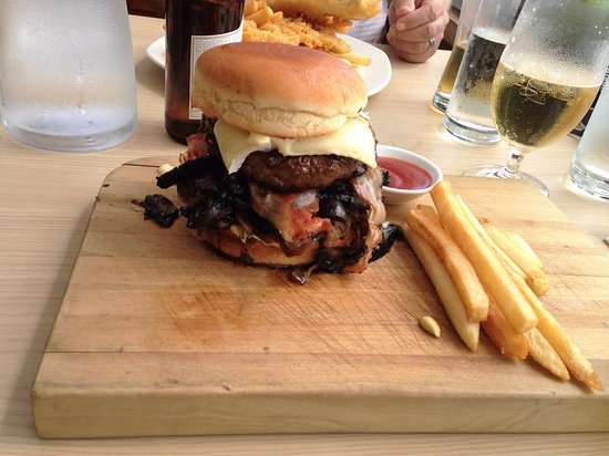 Papamoa, Νέα Ζηλανδία: The too high burger