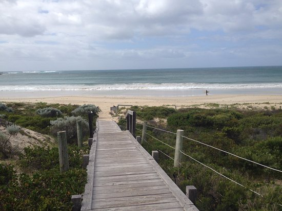 Cape Naturaliste, Αυστραλία: Walk way from hotel to beach
