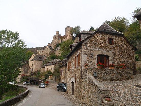 Belcastel, Frankrijk: Ville et chateau