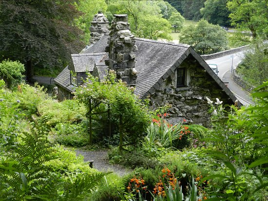 Capel Curig, UK: The Ugly House from the rear garden