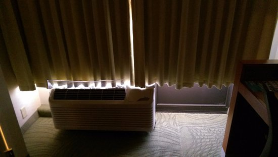 Peoria, IL: Blackout drapes allow light into room