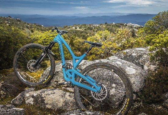 Derby, Australia: Blue Tier Descent