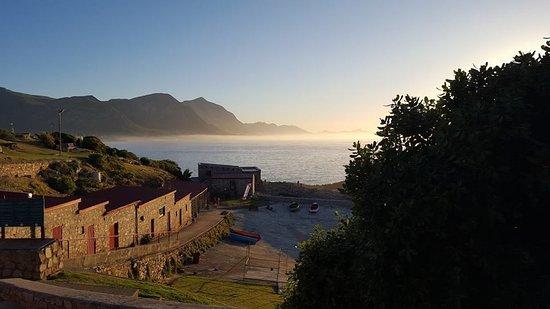 Walker Bay Adventures : Sunrise at the old Harbour