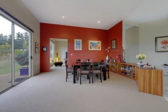 New Norfolk, Australia: Luxury Farmhouse - Dining Room