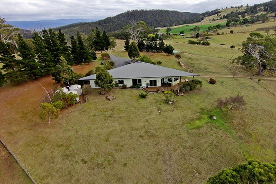 New Norfolk, Australien: Luxury Farmhouse and some of our farm land