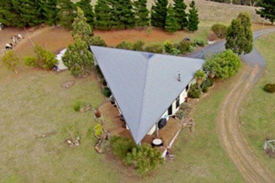 New Norfolk, Australie : Luxury Farmhouse - Aerial View