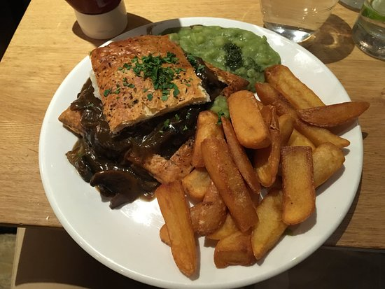 Mildreds: Mushroom and ale pie, chips and peas