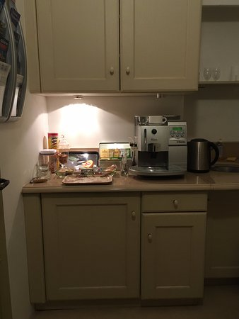 Les Cordeliers Bed and Breakfast: B&B Guest Kitchen