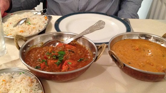 Llangefni, UK: Our first night curry.