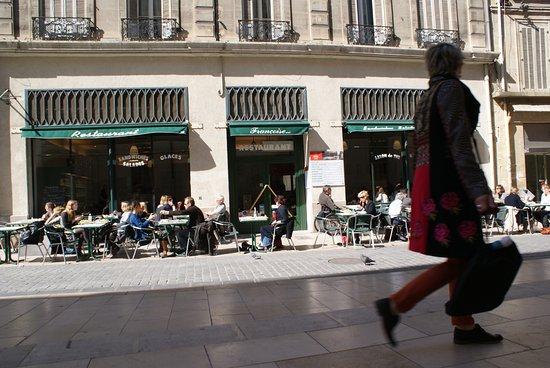 Françoise : La terrasse
