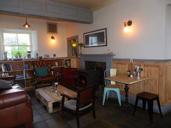Tighnabruaich, UK: So cosy in winter with open fire