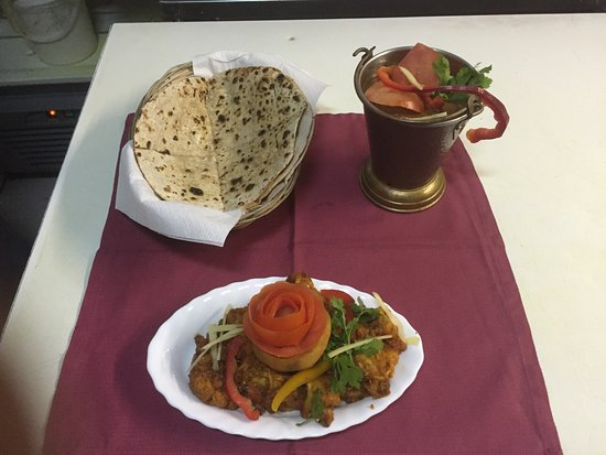 MUGHAL CLAY INDIAN RESTAURANT : Nice Indian food and starters love it