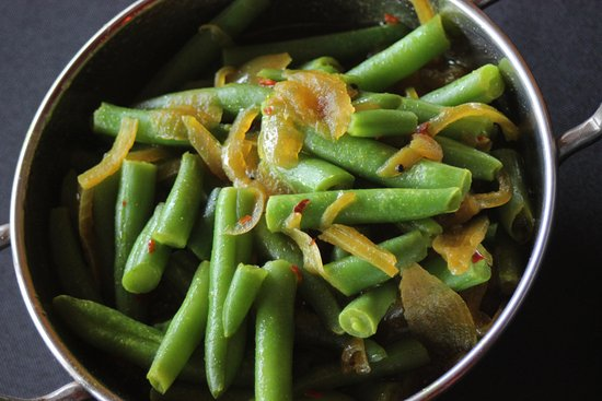 Willoughby, Australia: Simple beautiful beans with onions and mustard seeds
