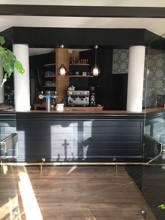 restaurant la fleur de thym dans saint nazaire avec cuisine fran aise. Black Bedroom Furniture Sets. Home Design Ideas