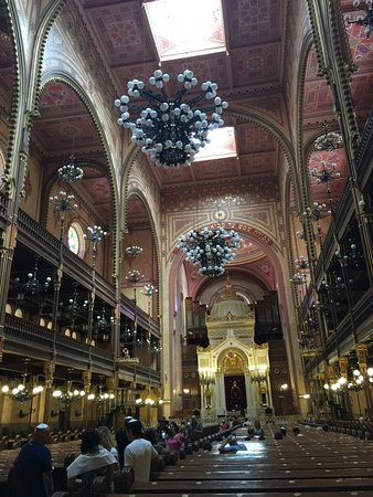 Budapest Jewish Heritage Tours: Dohany St Synagogue