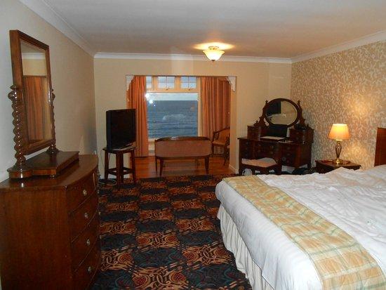 Rossnowlagh, İrlanda: second floor room from entrance overlooking sea