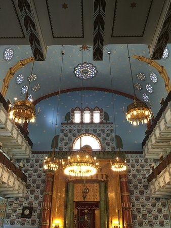 Budapest Jewish Heritage Tours: Kazinczy St Synagogue