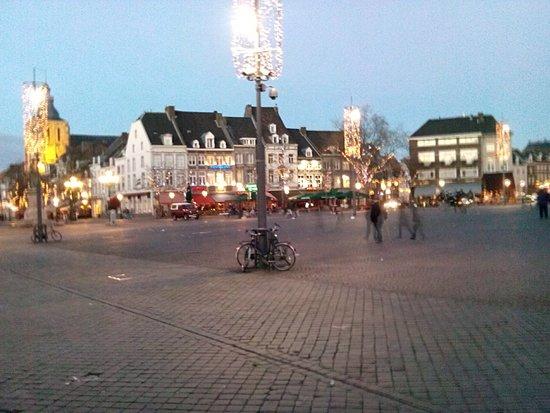 Hotel La Colombe: Ansicht Marktplatz