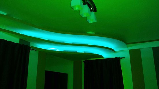 neon lights in the bedroom - Picture of Vila HD, Hunedoara