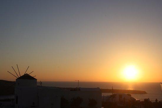 Ochre Restaurant: View of Oia Sunset from Ochre Wine BIstro.