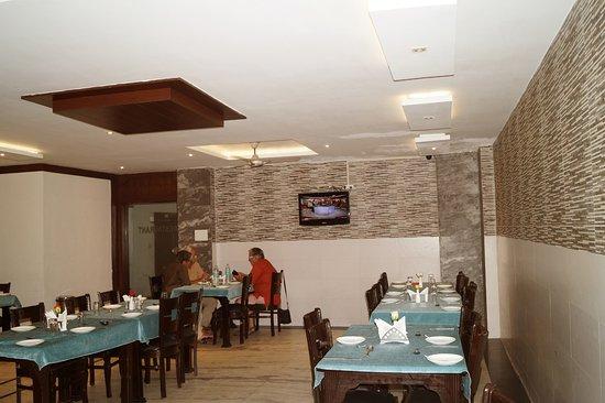Hotel Sheela Inn: Restaurant