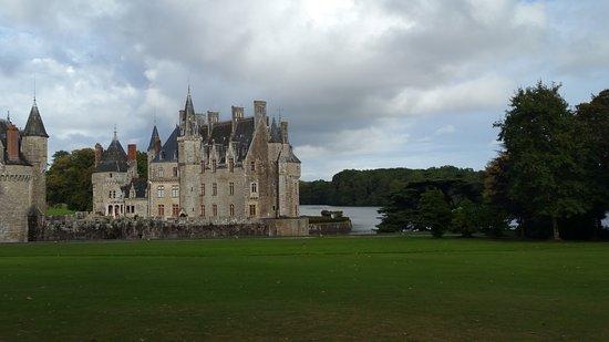 Missillac, França: Le château vu depuis l'hôtel.