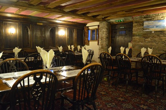 Kingsbridge, UK: 21 tables available but do ring to book