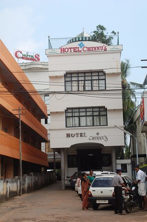 FRONT VIEW HOTEL CHINNUS