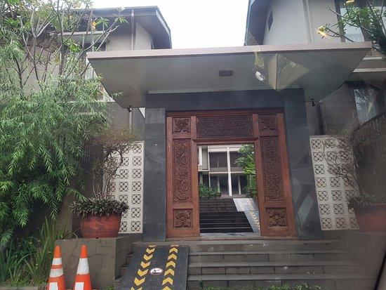 Summer Hill Private Villas Hotel & Conference: entrance to villa