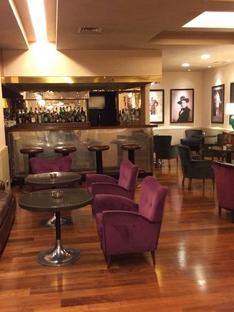 Accademia Hotel: Hotel bar.