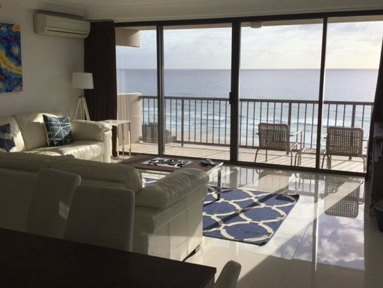 De Ville Apartments: looking out to the ocean from the kitchen dining area