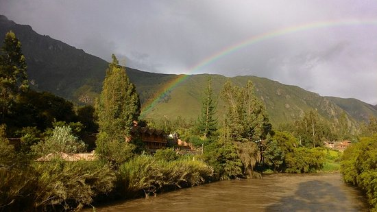"""Arco Iris del Puente Lodge: название отеля переводится """" Радуга у моста """"-и действительно в ноябре  была радуга"""