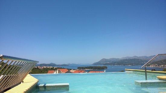 La piccola piscina sul terrazzo - Picture of Villa Antea, Dubrovnik ...